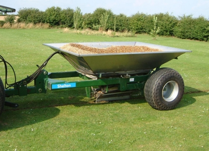 Shelton 3 tonne fast flow gravel hopper with aggregate side view