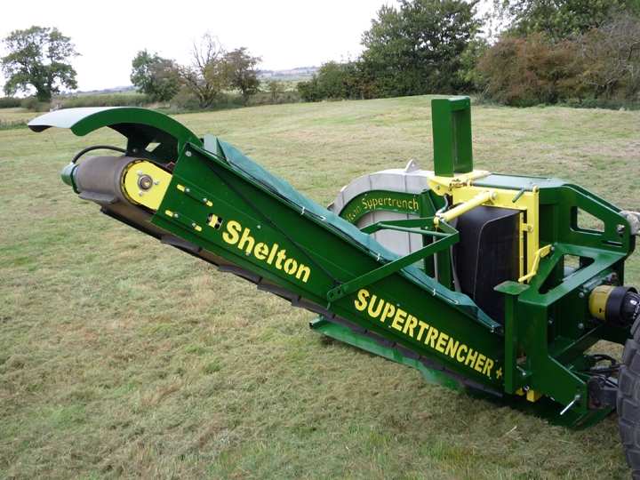 Shelton Supertrencher +625 conveyor view