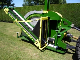 Shelton Supertrencher +760 sideview with conveyor