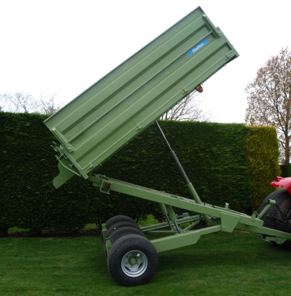 Shelton Hi Lift trailer at full tip height