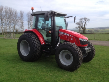 MF5610_with_low_ground_pressure_tyres