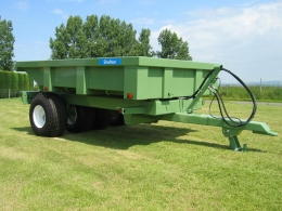 Shelton Dump trailer unhitched from tractor side view