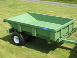 Shelton Dump trailer unhitched from tractor top view